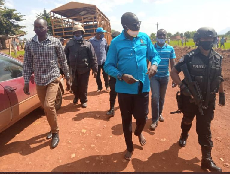 Update: FDC's  Amuriat Beats Police, Defiantly  Enters Kitgum For Campaigns